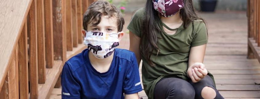 bimbi a scuola con mascherina